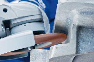 Grinding a weld seam